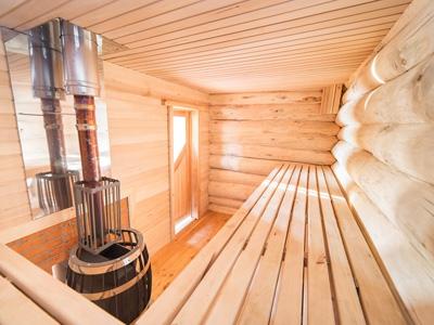 Рекомендации по высоте и отделке потолков в бане