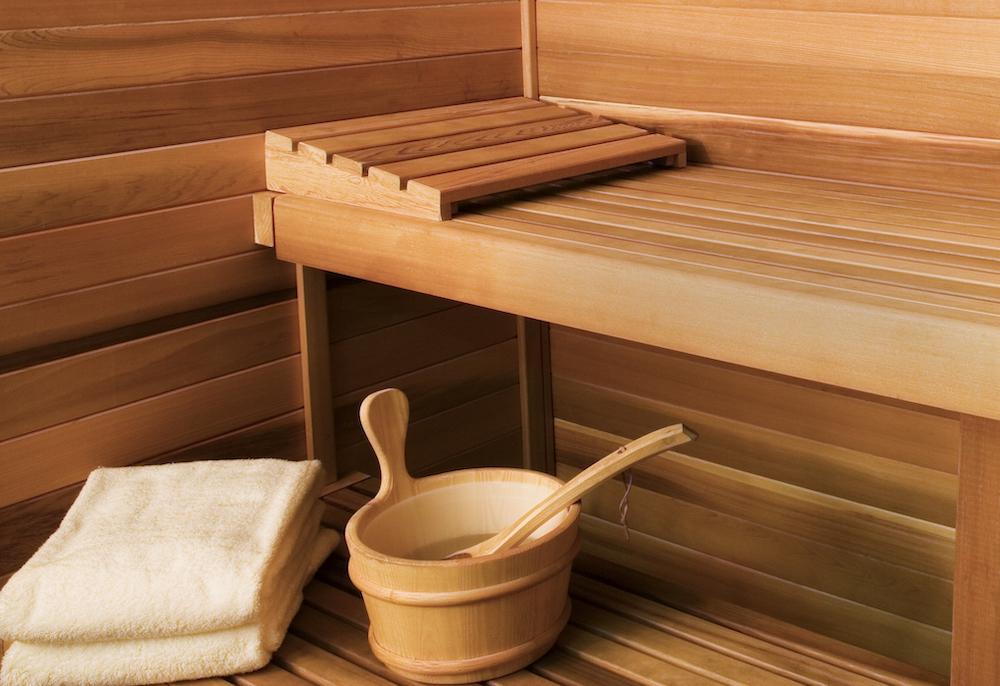 Мебель для бани из дерева: как правильно выбрать