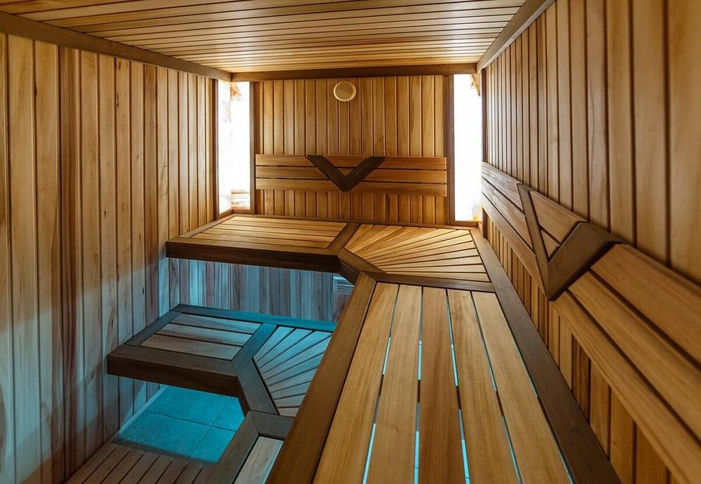 Какой оптимальный размер парилки в бане?